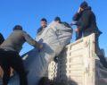 Doğanyol'da vatandaşlara çadır dağıtımı başladı