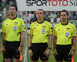 Çakır ve ekibi, FIFA Dünya Kupası Hakem Semineri'ne katılacak