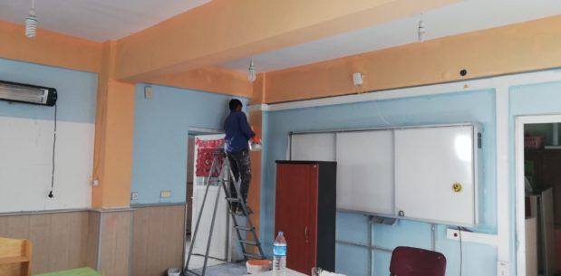 Viranşehir'deki okullar idareciler tarafından onarılıyor