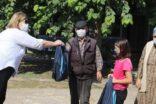Büyükşehir kırsalda çocukların yanında