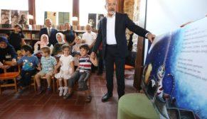 Turgay Erdem çocuklara kitap okudu