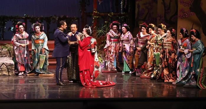 Opera Bale günlerinden görkemli başlangıç