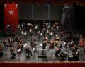 Senfoni OrkestrasıAtatürk için sahne aldı