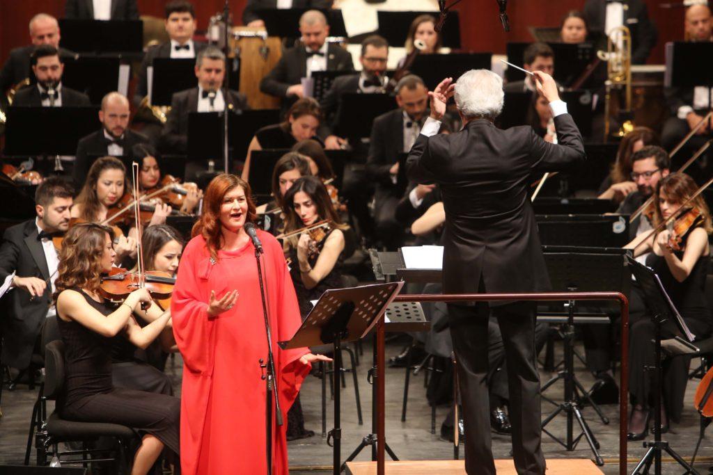 Senfonide 'Soprano' rüzgarı esti