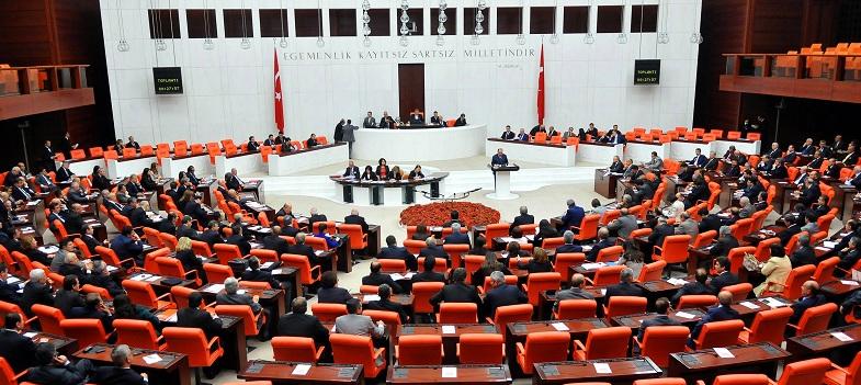 10 maddelik uyum paketi Meclis Genel Kurulu'nda kabul edildi