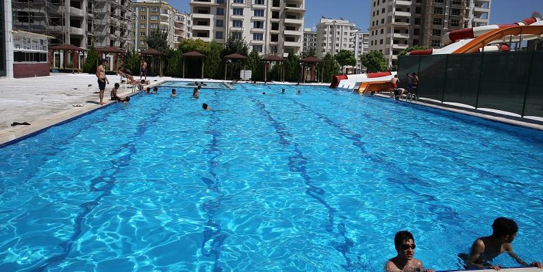 Karaköprü belediyesi yüzme havuzu hizmete girdi