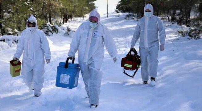 Aşı ekiplerine kar ve baraj engel olamadı