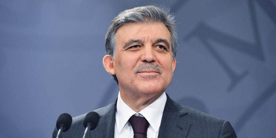 Abdullah Gül'den 28 Şubat mesajı: Hâlâ 600'e yakın mahkum var