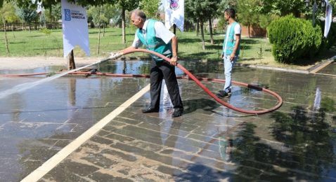 Diyarbakır'da yükümlüler çevreyi temizledi