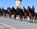 Atlı jandarmalar ilgi odağı oldu