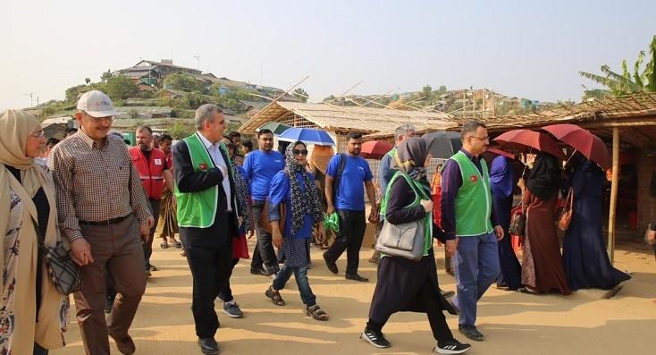 Beyazgül Bangladeş'te kurulan Şanlıurfa mahallesi açılışına katıldı