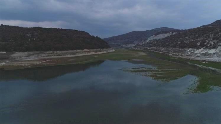 Barajın su seviyesi korkutuyor