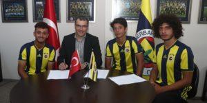 Fenerbahçe'de üç yeni imza