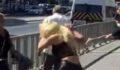 Dört kadın bir adamı tekme tokat dövdü