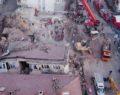 Deprem bölgesinde arama çalışmaları devam ediyor