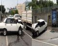 Otomobil durağa daldı: 1'i ağır 3 yaralı