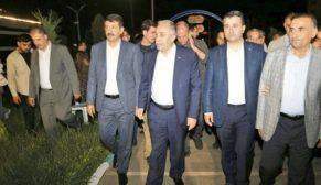 Bakan Fakıbaba Eyyübiye belediyesi kitap otağını gezdi