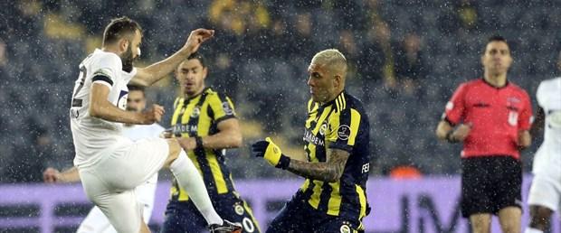 Fenerbahçe'ye zirve yolunda büyük darbe