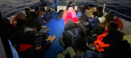 75 Düzensiz Göçmen Kurtarıldı