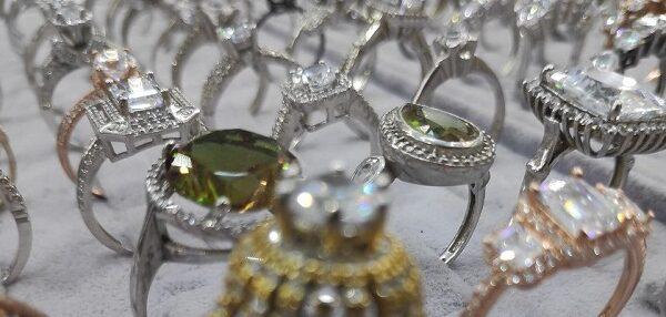 Altın fiyatlarının artmasıyla çiftler gümüşe yöneliyor