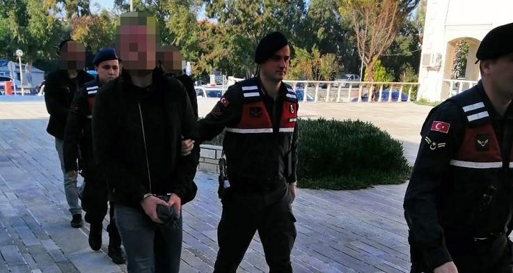 Kiralık araçla hırsızlık yapan 3 kişi jandarmaya yakalandı