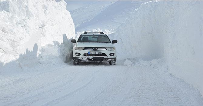 Hakkari'nin kar esareti