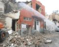 Metruk yapıların yıkımına başlandı