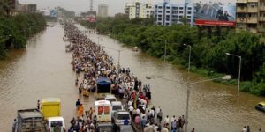 Sel felaketinde 270 kişi öldü