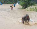 Tarım işçilerini sağanak yağış olumsuz etkiledi