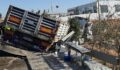 Kızıltepe'de tır otobüs durağına daldı: 1 ölü, 1 yaralı