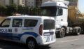 Kamyon sürücüsü polisi alarma geçirdi