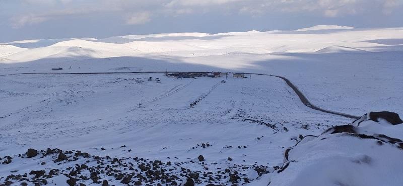 Güneydoğunun tek kayak merkezi beyaza büründü