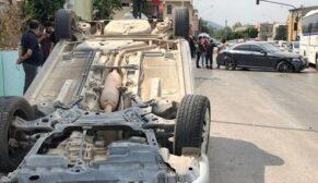 Kaza yapan oğlunun yanına giden baba aracıyla takla attı