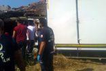 Kontrolden çıkan kamyonet evin duvarına çarparak durabildi