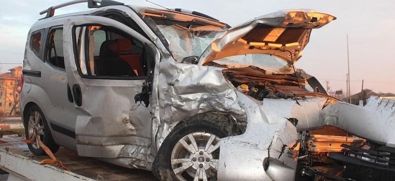 Feci kaza :1 ölü, 24 yaralı