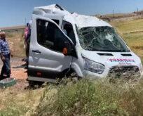 Yolcu taşıyan minibüs devrildi: 13 yaralı