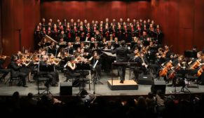 Senfoni'den muhteşem sarı zeybek konseri