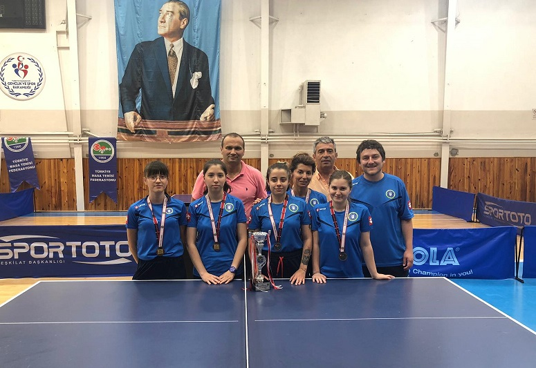Masa Tenisinde Türkiye üçüncülüğü