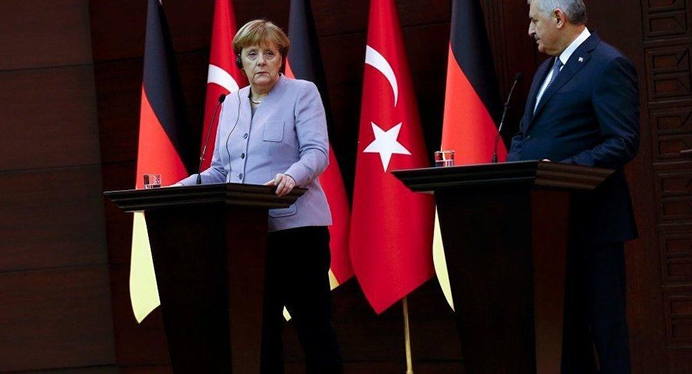 Merkel ve Yıldırım, 15 Şubat'ta Berlin'de görüşecek