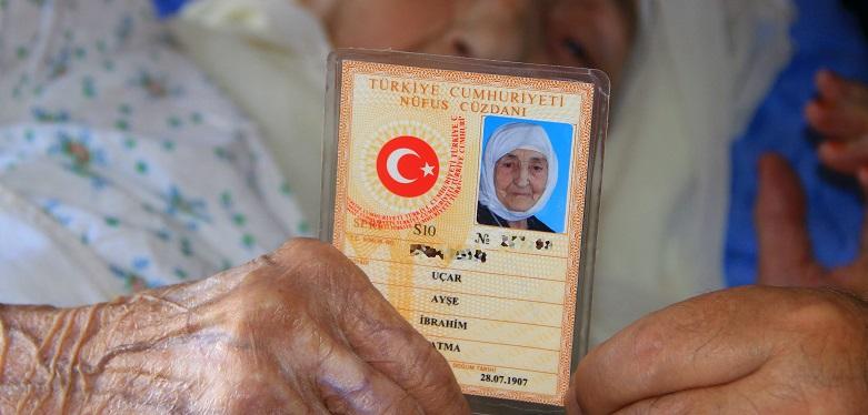 Türkiye'nin en yaşlı insanı vefat etti