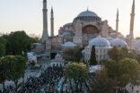 Ayasofya'da 87 yıl sonra ilk kez Bayram namazı kılındı
