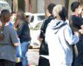 LGS'ye girecek olan öğrenciler okul önlerinde yoğunluk oluşturdu