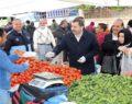 Şanlıurfa'da semt pazarı esnafına eldiven ve maske dağıtıldı