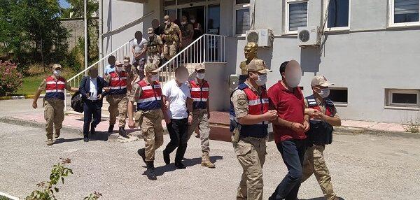 Halkı dolandıran 9 kişi gözaltına alındı