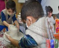 Şanlıurfa'da minikler kollarını sanat için sıvadı