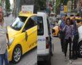 Taksiciye bıçak çekip aynalarını kırdı