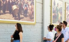 İstinat duvarları tablolar ile süslendi