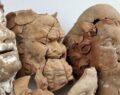2 bin 100 yıllık büst ve masklar bulundu