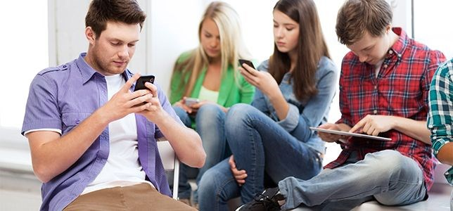 Samsung'tan öğrencilere özel telefon
