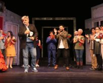 Şehir tiyatrolarının yeni oyunu müfettiş seyirci ile buluştu